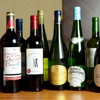 カキによく合うワイン等多数取り揃えております。