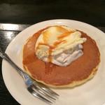 42848995 - 2015/10/9 無料デザートのパンケーキ(=゚ω゚)ノ                       大きさは、大・中・小から選べます( *`ω´)                        これも目の前で焼いてくれます(=゚ω゚)ノ
