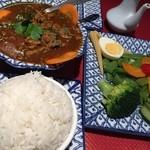 Himalaya Tibet - 料理写真:カレー+サラダ