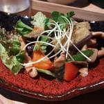 オサンポ - 茄子と豚の色彩り辛味炒め