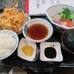 辻川権兵衛 - 刺身とかき揚げの定食