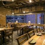 北海道シントク町 塚田農場 - 内観写真:夜景の綺麗な窓側席!