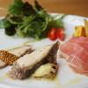 トレ - 料理写真:4種の前菜と野菜のサラダをセットしました