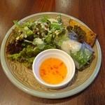 42868097 - ランチメニュー「オリジナルランチプレート」(1200円)の前菜3種