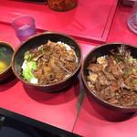 42868388 - 2015.10.10 カルビ丼+ハラミ丼+スープ。満足じゃー、ガォー!(笑)