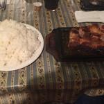 ア.ストラーザ - ポークソテーライスセット。肉420g、ライス大盛り。