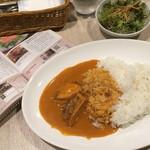 42875421 - チキンカレー、サラダ、スープ(2015年10月5日 ポルタマリ)