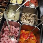 42879438 - チーズ、ベーコン、辛子明太子 等から お好きな具材をチョイスしてオムレツを焼いて頂きます。