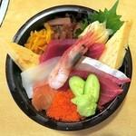 玄海寿司 本店 - ちらし・撫子(カニ汁つき)¥1350色トリンドルな海鮮丼