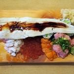 玄海寿司 本店 - 豪快のっけ盛り(カニ汁つき)¥1560かっぱ巻きの上に巨大な穴子がドーン