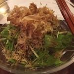 仄香 - 水菜と揚げじゃこの梅風味サラダ