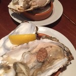 42889457 - 生牡蠣と焼き牡蠣