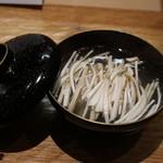 吉い - 鱧と松茸の椀物、長野産松茸が沢山