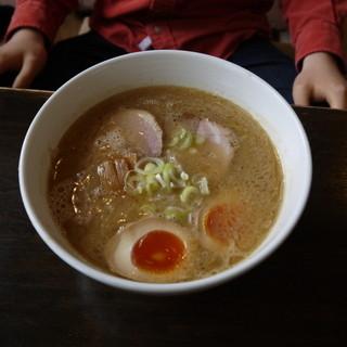 ふらり - 料理写真:豚骨醤油ラーメン味玉入り