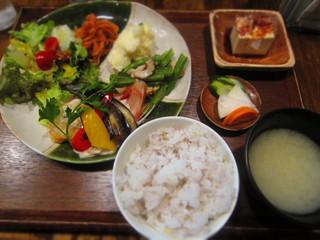 高品質珈琲と名曲 私の隠れ家 - ごちそうごはんセット ¥1,100