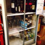まんもちゃん - ドリンクの冷蔵ケース セルフです