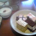 4291413 - デザートとサラダはバイキング形式