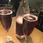 こだわりワイン酒場ヴィンゴ - デキャンタのスパークリングワイン