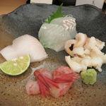 口福料理 なかもと - お造り:真子鰈、石垣貝、真魚鰹、島牡丹海老1