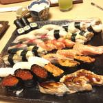 寿司和 - 上から カッパ 巻 しまあじ 関サバ ヤリイカ 鮑 赤貝 真つぶ 真イカ 炙りサーモン イクラ ウニ 煮アナゴ