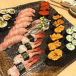 寿司和 - 左から お新香巻 大トロ カニ子 サンマ 甘エビ ウニ カッパ巻