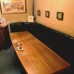 イタリアン マリオ - 奥の7人掛けテーブル