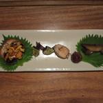 つる瑠 - ツガニ、亀の手、子持ち鮎、落ち小芋、煮鮑