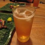 つる瑠 - 自家製梅酒ソーダ割 650円