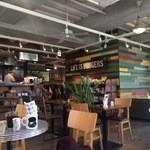 J.S. BURGERS CAFE - 店内1