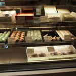 三寿園 - 和菓子は元々自家製かな