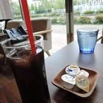 kawara CAFE&DINING -FORWARD- - アイスコーヒー300円2015年5月19日kawara CAFE&DINING -FORWARD- 横浜みなとみらい