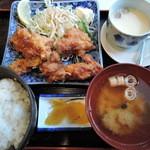 浜の牡蠣小屋 - 鶏から揚げ定食ランチ700円2015年5月25日浜の牡蠣小屋