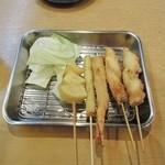 串カツ まる - 串カツ(芋、アスパラ、エビ、タコ x 2)