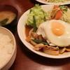 ジュノン - 料理写真:生姜焼定食(目玉付)680円