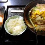 魚沼らーめん 雁舎 - 塩炙りチャーシューと餃子セット