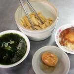 山河魯肉飯 - メンマは無料食べ放題