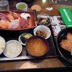 4296615 - 刺身煮魚定食