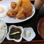 ひがし食堂 - ミックスフライ・700円