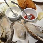 ナゴヤ オイスターバー - 真牡蠣のコンビネーションプレート6個¥2,520-