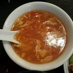 芳仙閣 - トマト風味の中華スープ