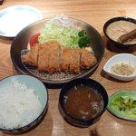 4297203 - 特製ロースカツ(1,380円)、ご飯と味噌汁(500円)