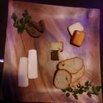 42975572 - 漬け込みチーズ盛り