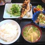 与作 - 「鯛粕漬け焼きセット(小鉢は冷奴チョイス)」900円