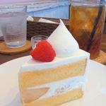 パティスリー ラ・グリシーヌ - 桃のショートケーキ