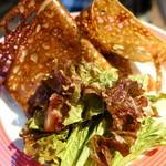 ギャルソン クレープ - 卵とチーズのガレット サラダとっぴ