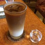 珈琲ホリ - ホリロールセットの飲みもの(アイスカフェオレ)
