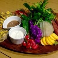 ベジィカップス - 旬果・旬菜の彩りサラダ&野菜のスペインオムレツ