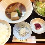 和料理 八車 - 煮魚定食(金目鯛)850円