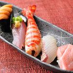 義 - 自慢のお寿司も新鮮なネタが自慢です。