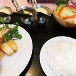 レストラン 桃山 - ライス(210円)をプラスして・・・